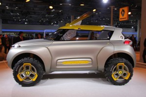 Новый концепткар Renault с беспилотником на крыше.